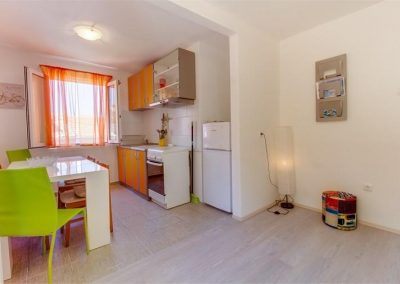 ivana-apartment-losinj-kitchen