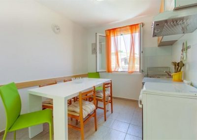 ivana-apartment-losinj-kitchen2
